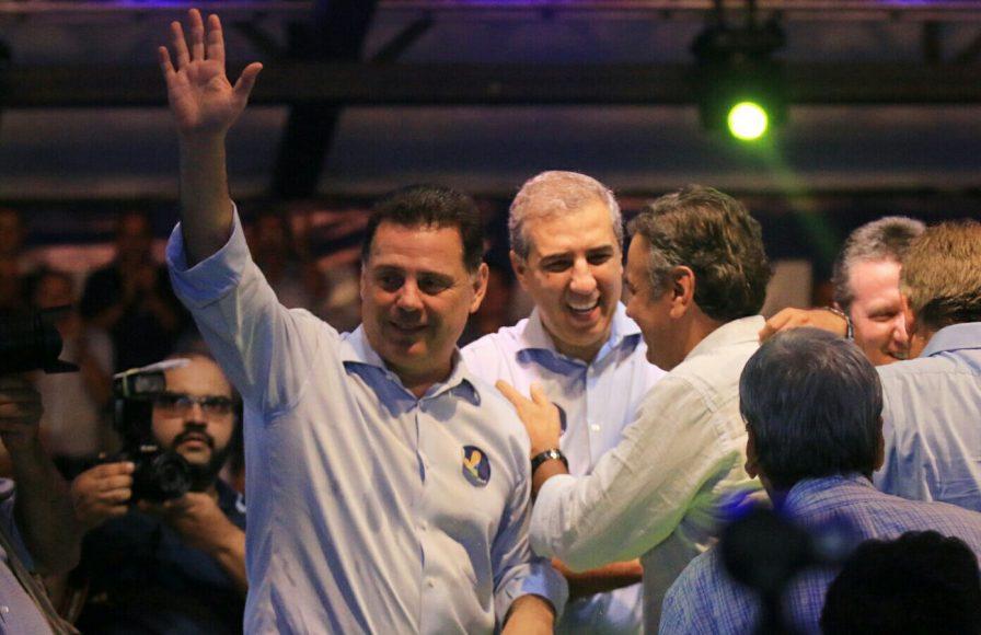 Com Marconi e Aécio na festa de filiação ao PSDB no ano passado