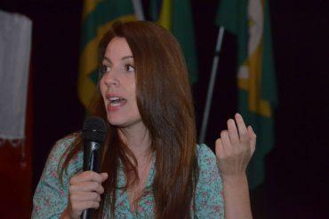 Caroline Arcari: raiz da violência doméstica está nos estereótipos de gênero