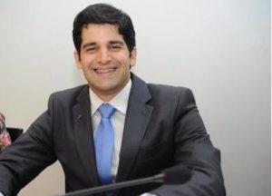 Atual secretário de Turismo, Paulo Henrique precisa deixar pasta seis meses antes do pleito para disputar reeleição