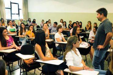 Educadores das redes públicas municipal e estadual em Rio Verde querem ser incluídos pelo sistema público de saúde no chamado grupo de risco da H1N1