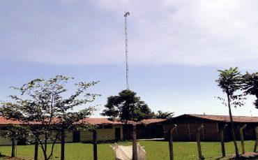 Escola foi atingida por 'chuva' de agrotóxicos em 2013 (Foto: Prefeitura de Rio Verde)