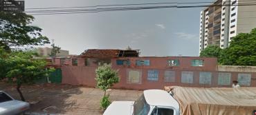 Vista do Colégio Estadual Cunha Bastos antes de ser demolido (Foto: Google Street View)