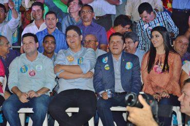 O deputado licenciado Heuler Cruvinel e o suplente Sandes Jr na convenção do PSD (Foto: Divulgação)