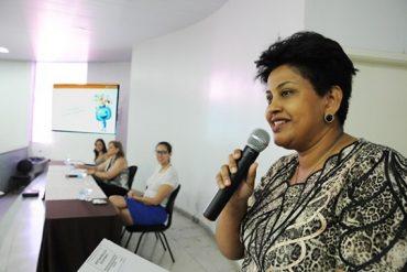 Professora estadual, Diones Lopes recebeu  indenização por estar cedida ao município (Foto: SME)