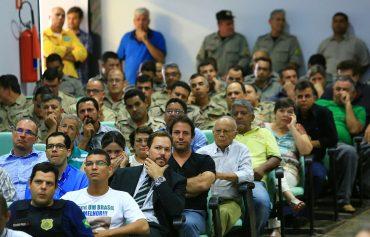 Casa cheia: público compareceu, vice-governador não (Foto: Wildes Barbosa)