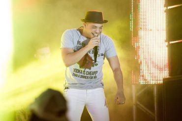 Cantor que fez fama falando de traição e bebedeira faz show em Rio Verde uma semana depois de se tornar evangélico (Foto: Divulgação)