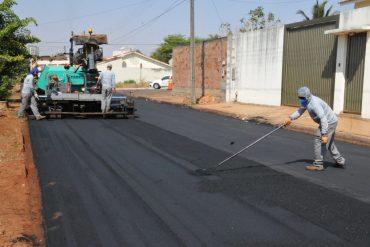 Região oeste da cidade recebe R$ 2,8 milhões em asfalto