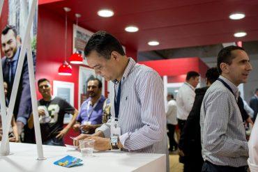 Um bom número de pessoas, especialmente corretores de seguros, marcou presença no evento em Goiânia (Foto: Gabriel Heusi)